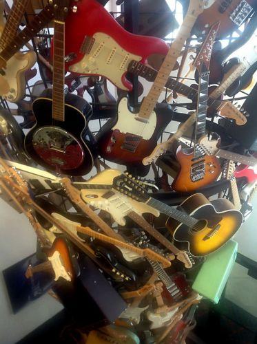 Инсталляция Fender