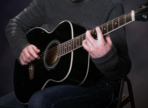 Что делать гитаристу если болят пальцы